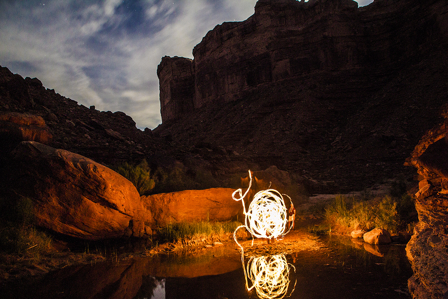 Poi in the deep canyon uploaded by Chacospapa