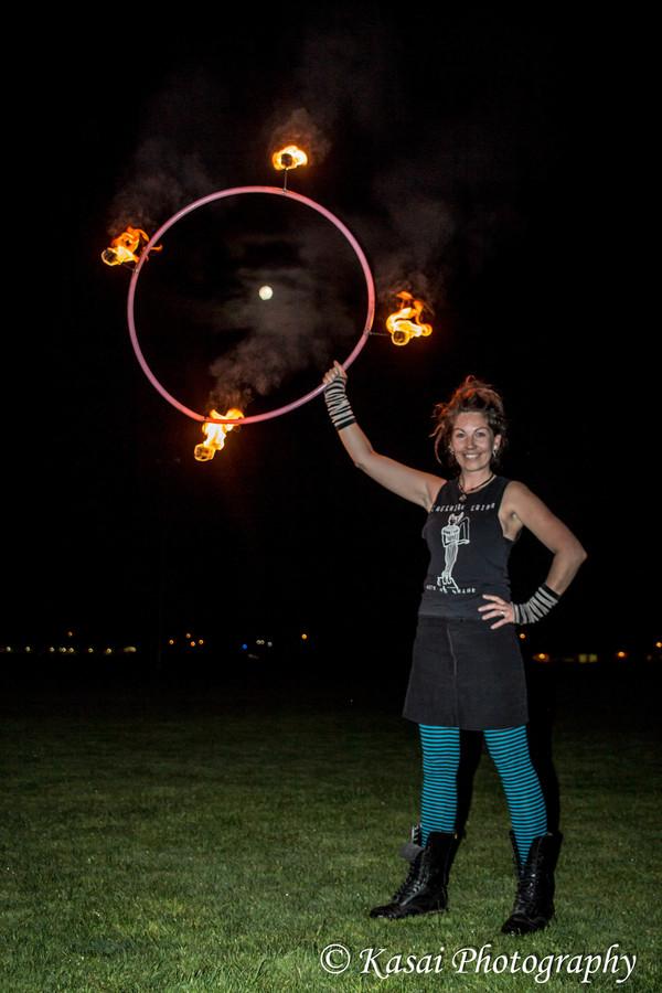 Full Moon hoop love