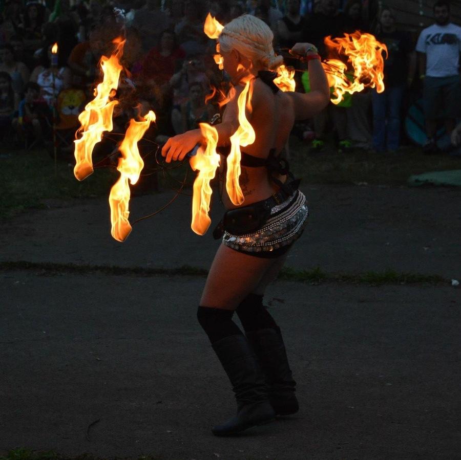 Fire Dancer Khaleesi Miracle