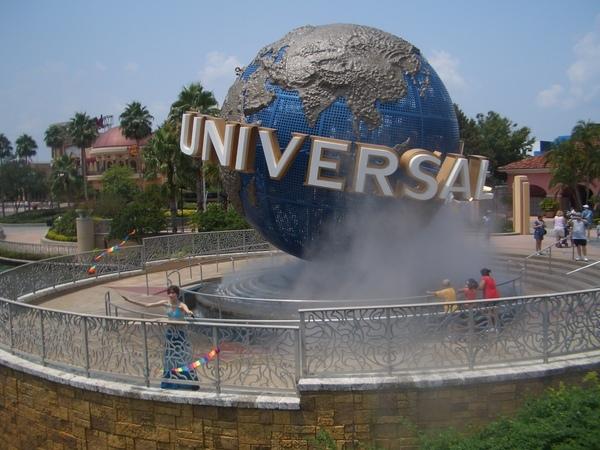 Universal Studios, Florida (The Globe = Poi Around the World, literally)